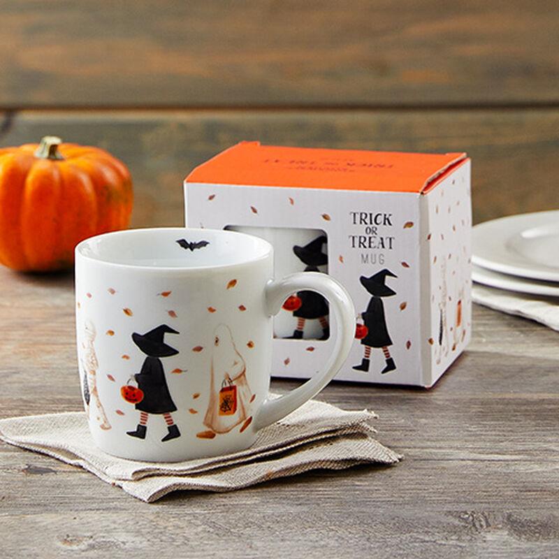 Trick-or-Treaters Boxed Mug