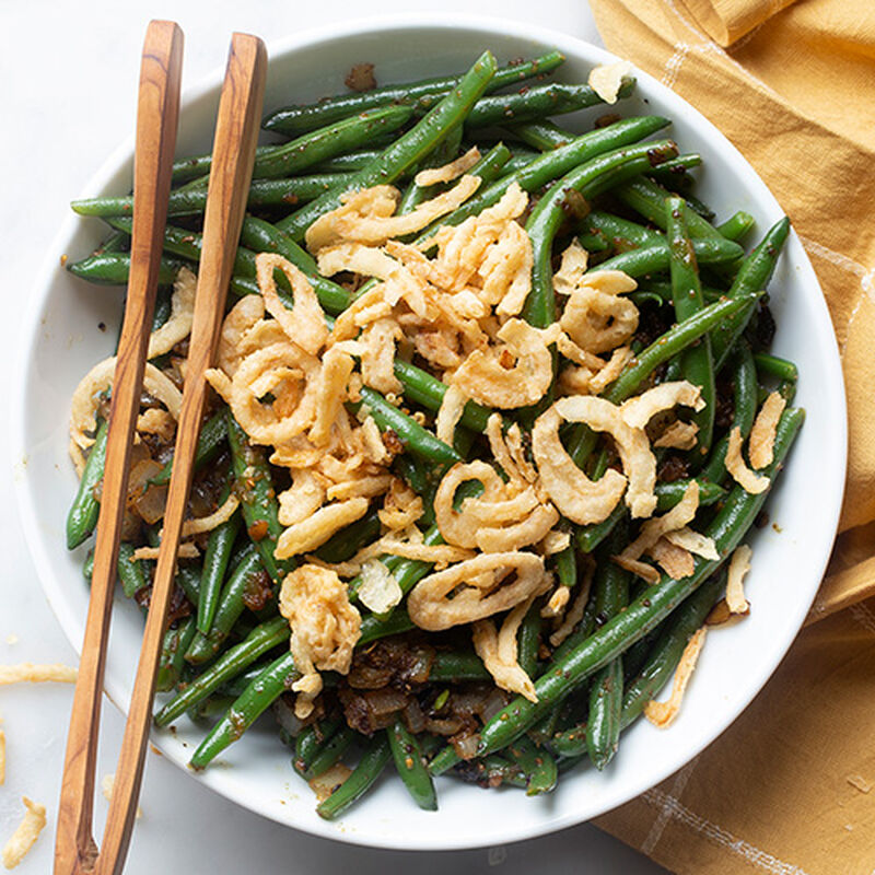 Onion and Cracked Pepper Green Beans