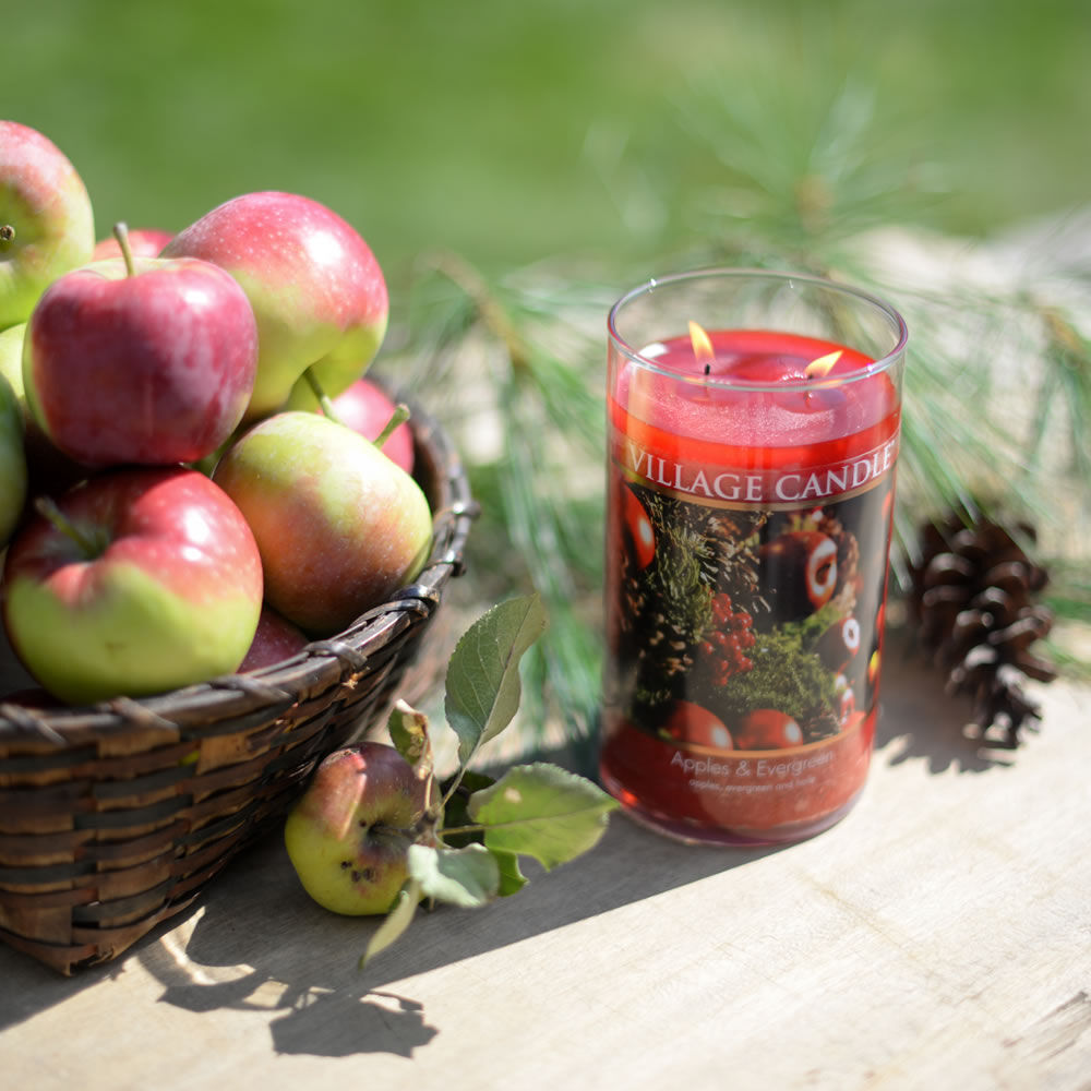 Apples & Evergreen Candle image number 4