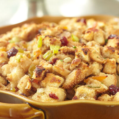 Cranberry Stuffing with Dried Fruit